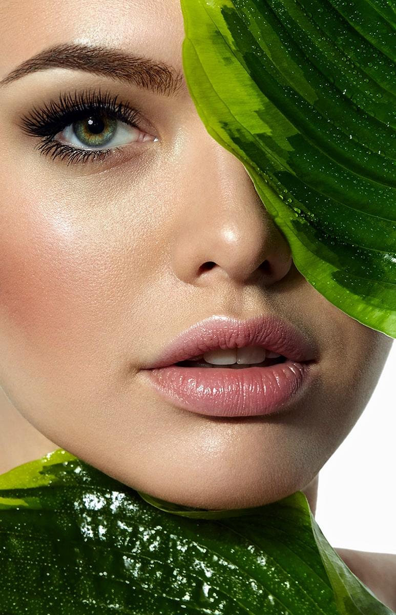 Augenbrauen Styling mit Henna